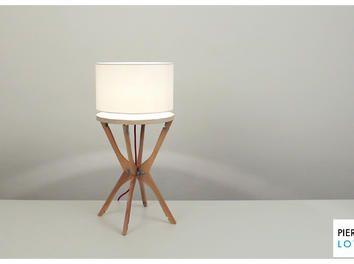Faite avec des cintres lampe design video diy - Fabriquer un valet de nuit ...