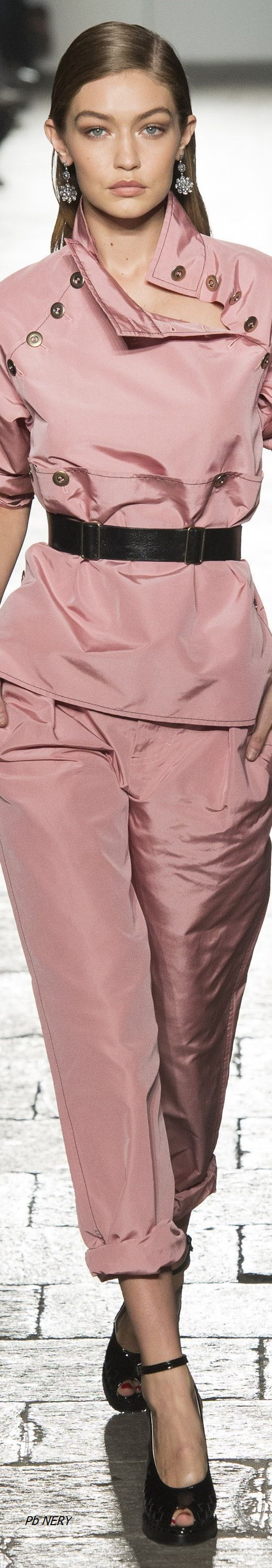 ~OH SO PRETTY IN HOT PINK~ Bottega Veneta - Spring 2017 RTW