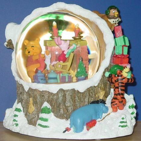 Disney Winnie the Pooh Christmas Snow Globe PIGLET SNOW GLOBE