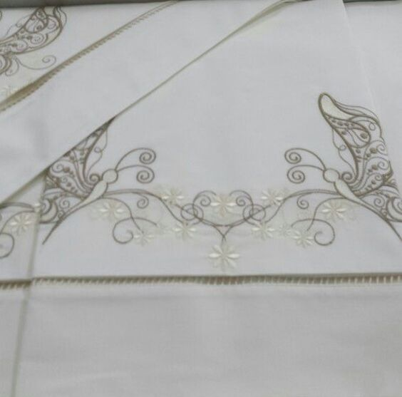 Jogo de cama solteiro - 250 fios - bordado borboleta