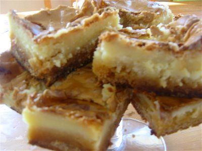 Gooey cake-From the Cake Doctor: Gooey Butter Cake, Cake Recipe, Yellow Cake, Yummy Food, Sweet Treats, Gooey Bars, Cake Mix, Cake Bars, Butter Cakes