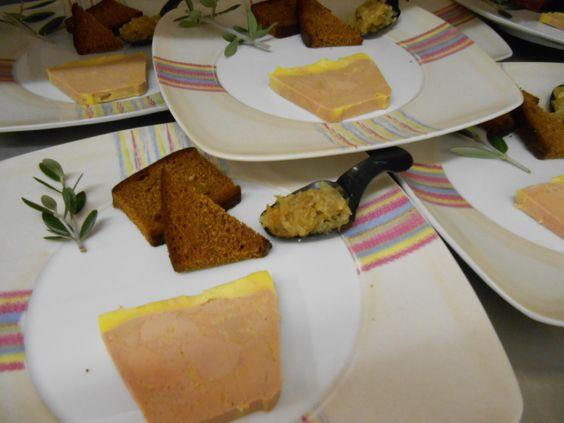 Foie gras de canard mi-cuit, pain d'épice salé-poivré et confitures de figues et noix par www.lagrangette-traiteur.com