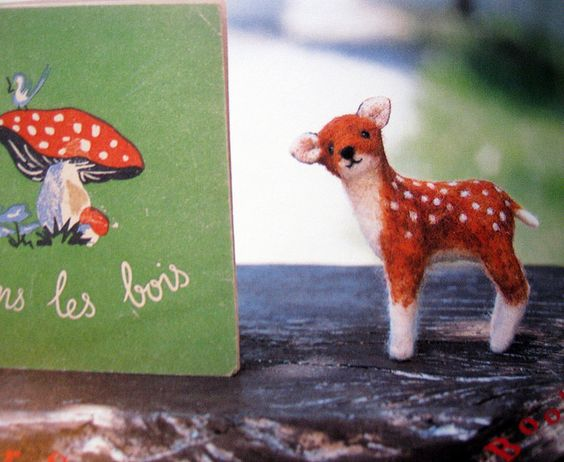 9784072689035 small animals made of felt-japanese craft book