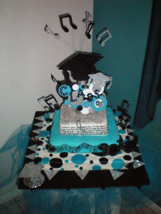fun, love the center piece on cake