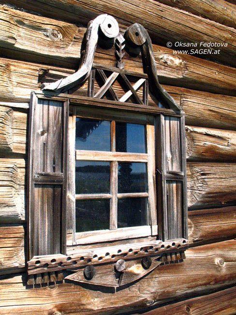 Staatliche historisch-architektonische ethnographische Museum Kishi,  Karelien  Das Jakowlew-Haus. 80-er-90-er Jahre des 19.Jh., 1966-1969 restauriertJakowlew-Haus, Fenster, Kishi  © Oksana Fedotova
