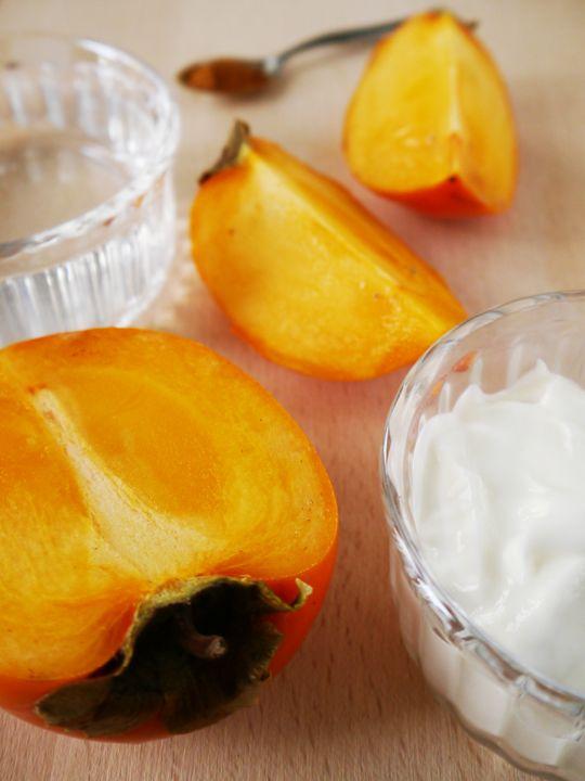 Persimmon yoghurt smoothie, recipe at www.tineathome.com