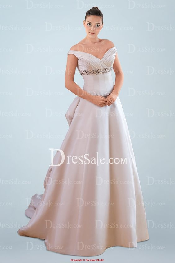 2013 Hot Sale Wedding Gown With Off the Shoulder Sleeve and Classic A-line Waistline