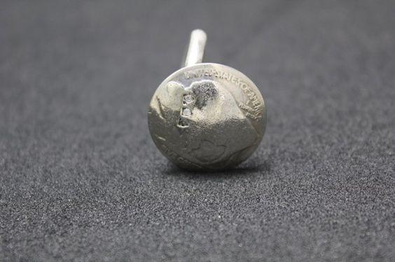 アメリカのオールドコイン(バッファロー)を使用したリングです。硬貨の表側にデザインされた、バッファローの首元に3ピースダイヤモンドを留めました。リングを太めに...|ハンドメイド、手作り、手仕事品の通販・販売・購入ならCreema。