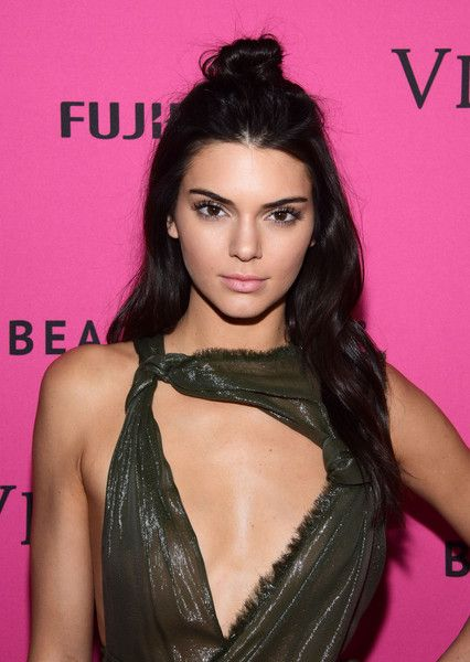 Kendall Jenner Photos - 2015 Victoria's Secret Fashion After Party - Pink Carpet Arrivals - Zimbio