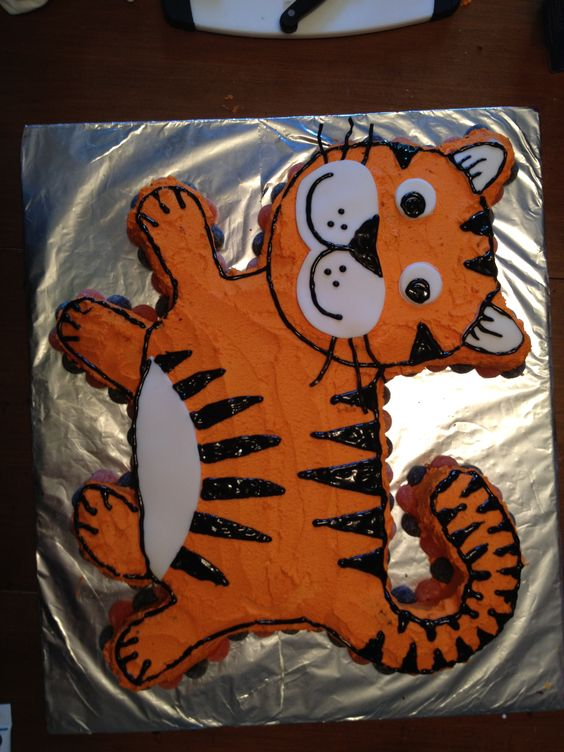 Cake Decorating Classes Tyler Tx : Tiger cake, Cute tigers and Tigers on Pinterest