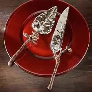 Cant believe the first picture was the set we found. danny an i got this on sale at an antique shop. its sooo beautiful, i had to do se research on who made it! Bombay Co. Leaf Cake Serving Set :  wedding bombay leaf cake cutter Leaf Cake Cutter