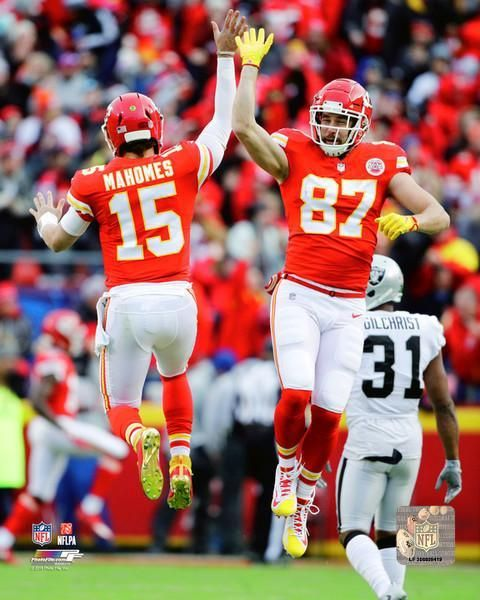 Patrick Mahomes Travis Kelce Kansas City Chiefs Celebration Nfl Football 8 Kansas City Chiefs Football Chiefs Football Kc Chiefs Football