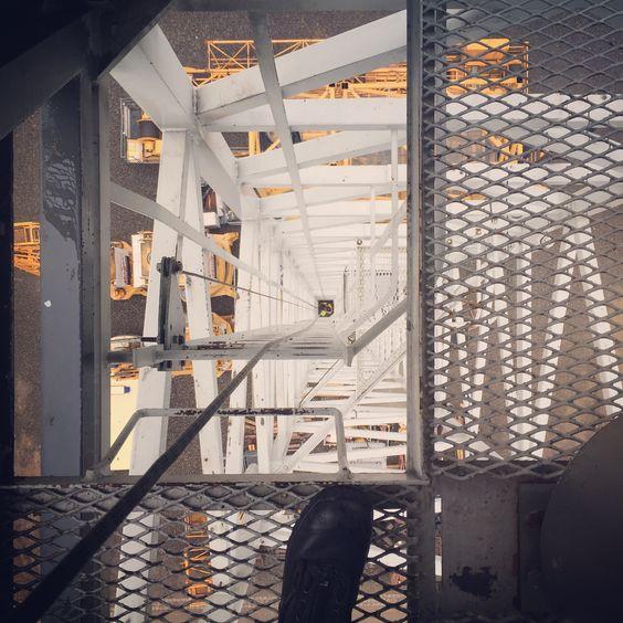 Roperescue Training on a crane  Roperescue Training  #rope #rescue #roperescue #sar #srht #hrd #firefighter #firefighting #ropeacces #chemnitz #höhenrettung #höhenrettungchemnitz #germany #ropeandrescue #firerescue #searchandrescue #feuerwehrchemnitz #höhenrettungsgruppe #rockexotica #petzl #edelrid #climb #climbing