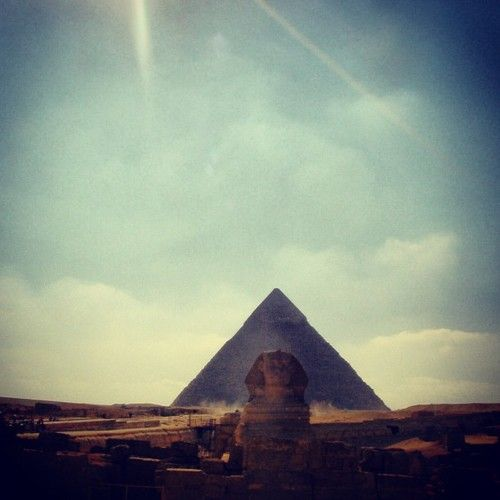 Pyramids and the Sphinxz (thats right theres a 'z' in sphinxz because its that cool)