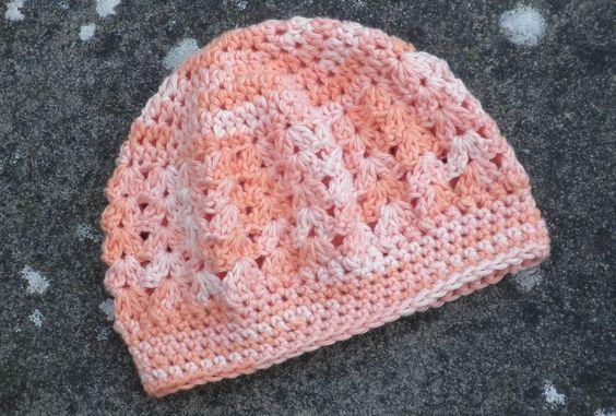 Babymütze,Neugeborenenmütze, aus Baumwolle   von Chariscap auf DaWanda.com
