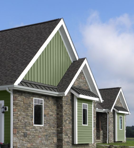Provia 39 S Cedar Peaks Vertical Vinyl Siding Blended With
