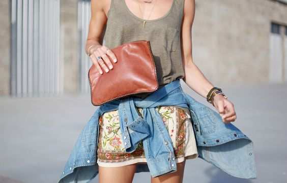 Printed shorts | leather clutch