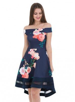 Vestido Estampado Floral De Vuelo Con Cuello Barco Y Cola En