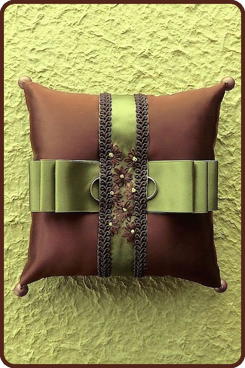 ateliersarah's ring pillow/The color combination of brown and khaki
