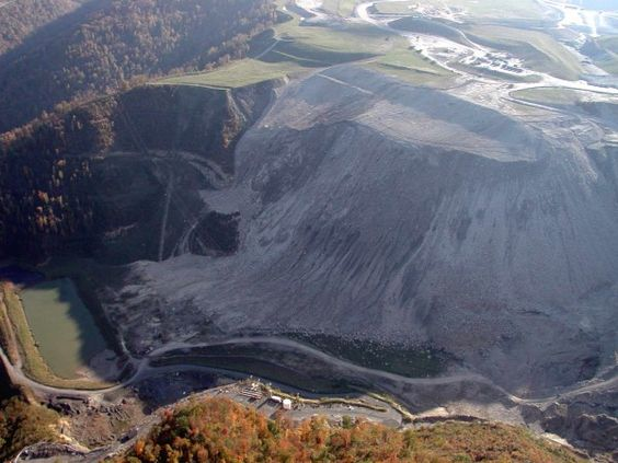 Yet another view of the Birchton Curve Valley Fill.  Photo by Vivian Stockman, Oct 19, 2003.