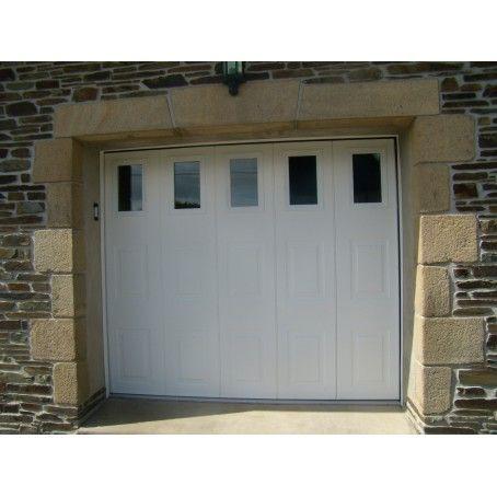 Porte De Garage Sectionnelle Coulissante Laterale Avec Cassettes Et Hublots Porte Garage Porte De Garage Sectionnelle Garage