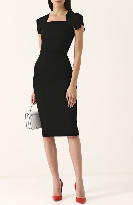 Однотонное платье-футляр с коротким рукавом | Фото №2