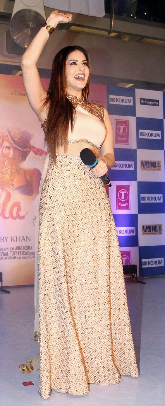 Sunny Leone promoting Ek Paheli Leela at a Mall in Mumbai. #Bollywood #Fashion #Style #Beauty: