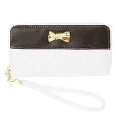 Black and White Quilted Wristlet