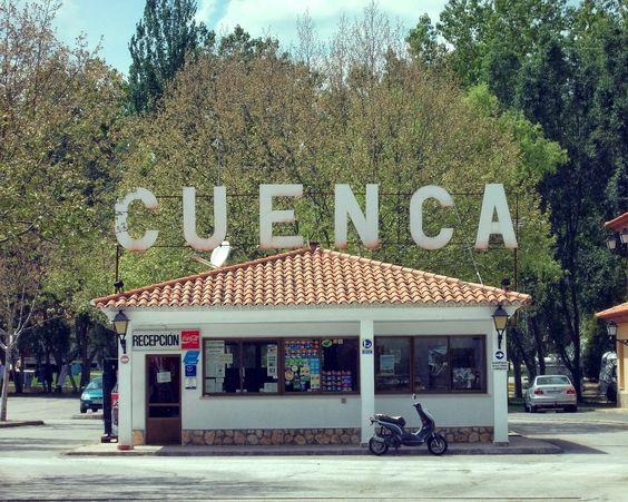 El pasado 10 de Mayo nos fuimos a Cuenca a una actividad de descenso de cañones y un paseito por la ciudad de Cuenca por el módico precio de 20€.