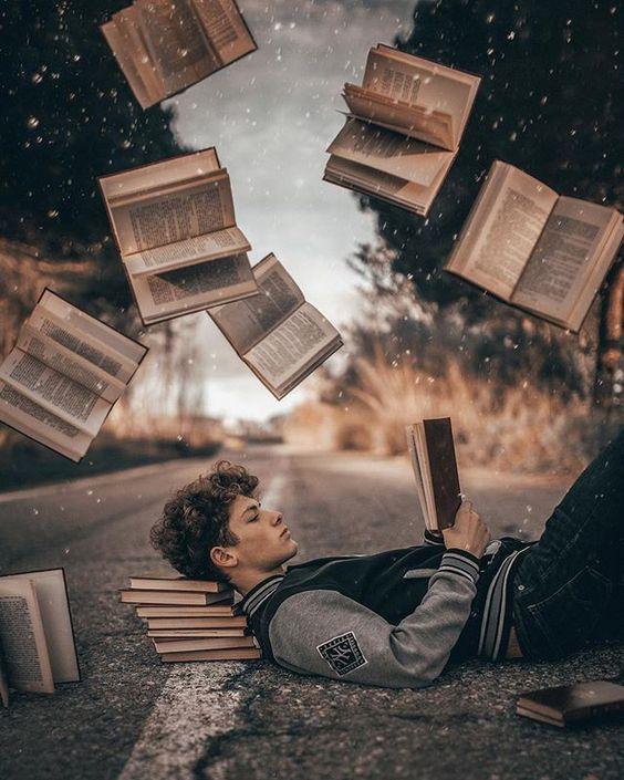 Kreative Fotoidee mit Büchern. Perfekte Bildidee für Lesebegeisterte Porträt Fotografen. #fotografie #illusion Joan Carol portrait photographer