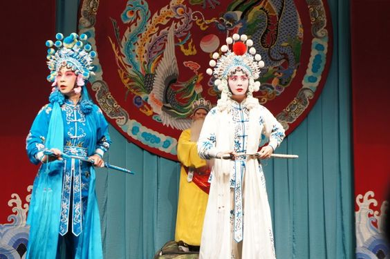 TaipeiEYE 台北戯棚 is the theatre of Peking Opera 京劇 in Taipei. It's a tourism spot and only tourists visit there, but actually it's interesting! Good introduction for 京劇 beginners. You can even see the process of makeup of actors.