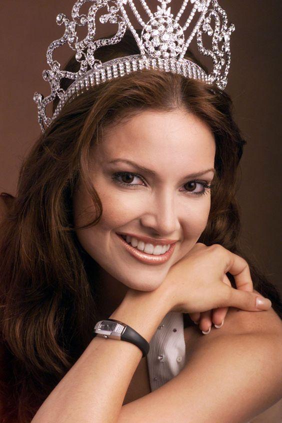 15 zdjęć Miss Universe ukazujących, jak zmieniały się standardy piękna na przestrzeni lat