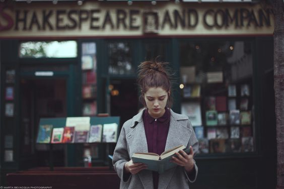 shakespeare and company  books: