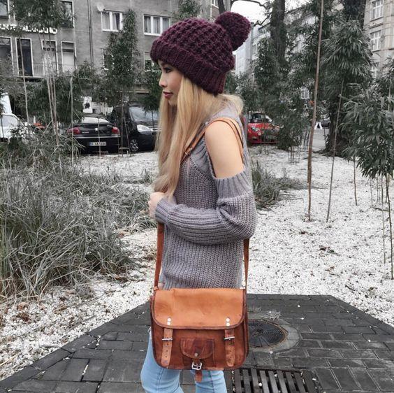 """""""Emilia"""" begleitet dich auf deinem Stadtbummel oder auf Spaziegängen. Es passen problemlos dein Lieblingsbuch, Portemonaie und dein Smartphone hinnein. - Ledertasche - Vintage-Look - Gusti Leder - H9 (von Kisuminu auf Instagram)"""