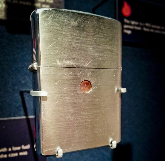 Prototype designed with a fuel indicator window in the case. See it at the #Zippo/@WRCase Museum #MuseumMonday