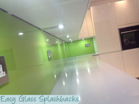 Mint Cream Coloured Glass Splashback In A White Kitchen With Worktops Visit Easyglasssplashba To Discover More