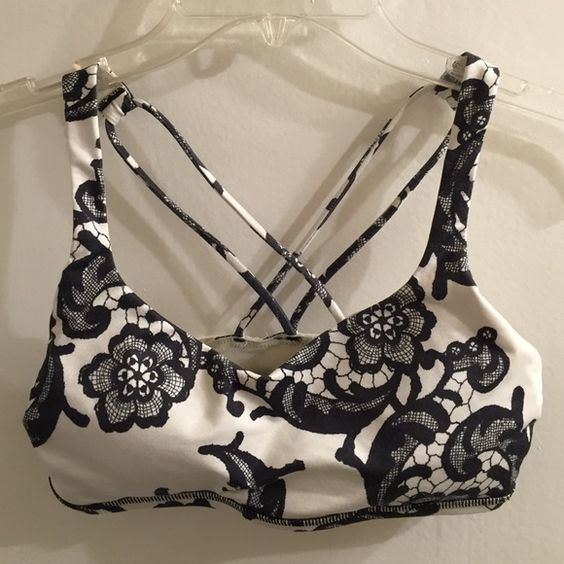✨flash sale! ✨ Lululemon sports bra- size Size 2 Lululemon worn sports bra with adorable print and removable pads. Tag has ripped off, but always washed in cold water and air dried lululemon athletica Intimates & Sleepwear Bras