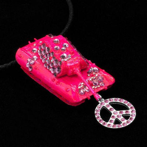 Hot Pink Gothic Hippie Neon Pink Peace Panzer von ElviraKleinmann