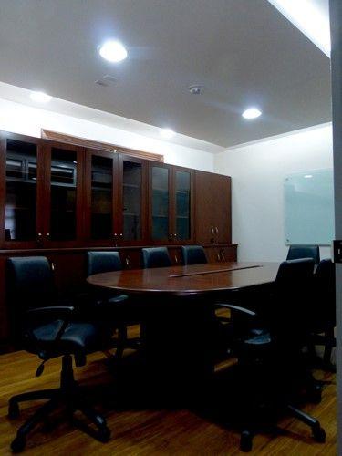 Adecuación oficina secretaria general UCE - sala de reuniones