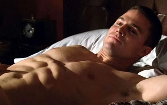 Stephen Amell - in the name of all that is holy, look at those ABS!!