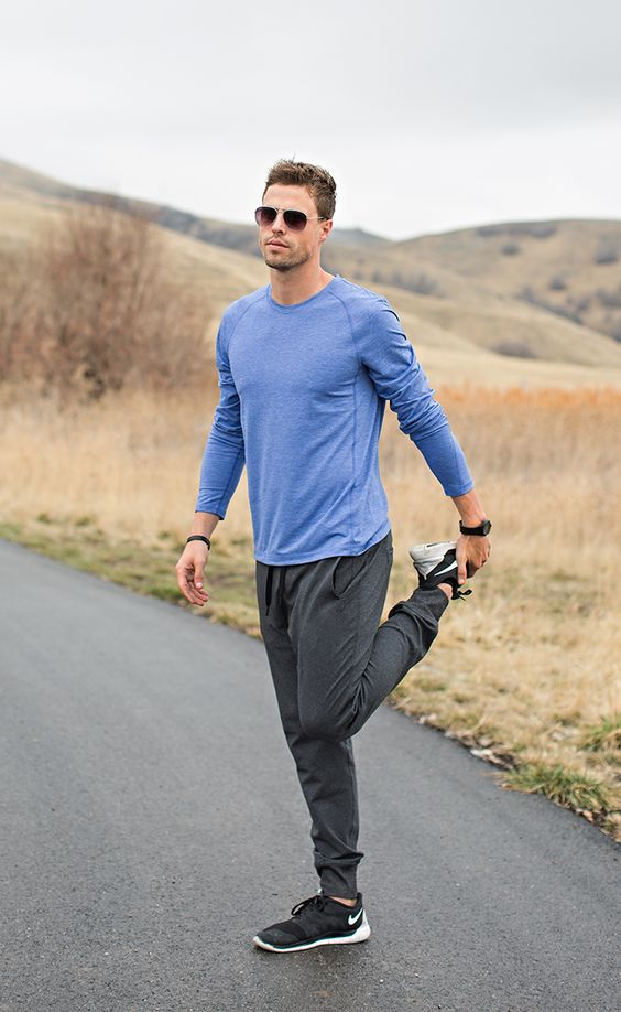 Joggers make for one of the best men's athletic outfits!