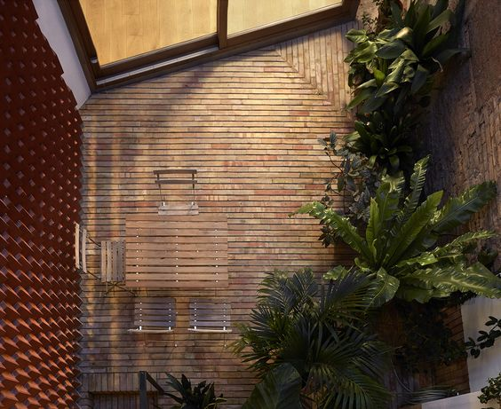 Gallery of Courtyard Residence in Benimaclet / Gradolí & Sanz - 16