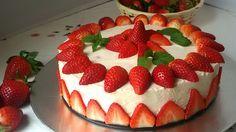 Tarta fácil de fresas con nata (sin horno). Receta para preparar una tarta de mousse de nata con fresas. Se prepara muy fácil. Ideal para cumpleaños