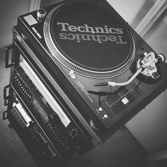 Ya falta poco para terminar el proyecto! #sansui #vintage  #technics #rack #gramofon #spotify Uniendo lo nuevo y lo antiguo!