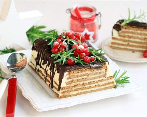 Tarta navideña de galletas, leche condensada y chocolate