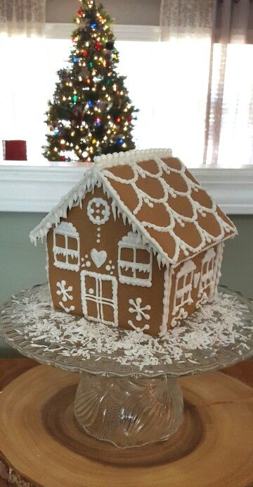 Simple decorated gingerbread house