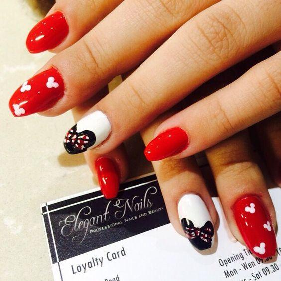 #nail #nails #nailtrend #nailfashion #nailaddiction #nailsnailsnails #squareletto #squarelettonails #red #rednails #whitenails #white #disney #disneynails #minniemouse #minniemousenails #mickymouse #mickymousenails #elegantnailsswanley