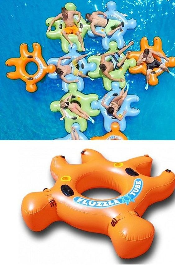 Interlocking floats, so that you won't float away from your friends while lounging.: