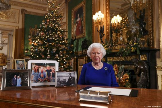 The Queen S Speech Annual Christmas Speech Was Filmed In The Green Drawing Room At Windsor Castle This Ye Royal Family Christmas Queen Elizabeth Elizabeth Ii