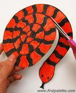 Gezellig knutselen, maak eens een enge slang en verzin er samen een spannend…